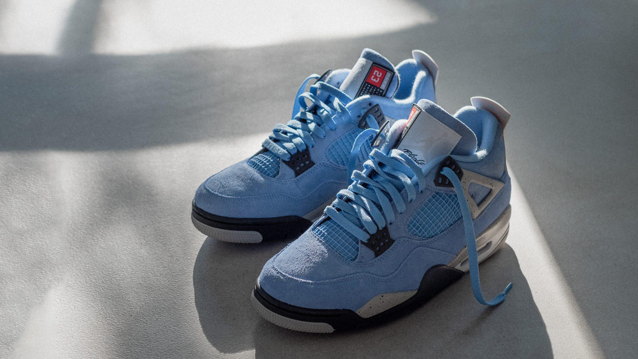 Air Jordan 4 Retro 'University Blue'